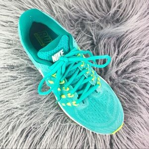NIKE AIR ZOOM VOMERO 11 CLEAR JADE - WMNS SIZE 8.5
